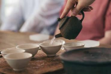 Thưởng trà chuyên nghiệp cần những dụng cụ gì?