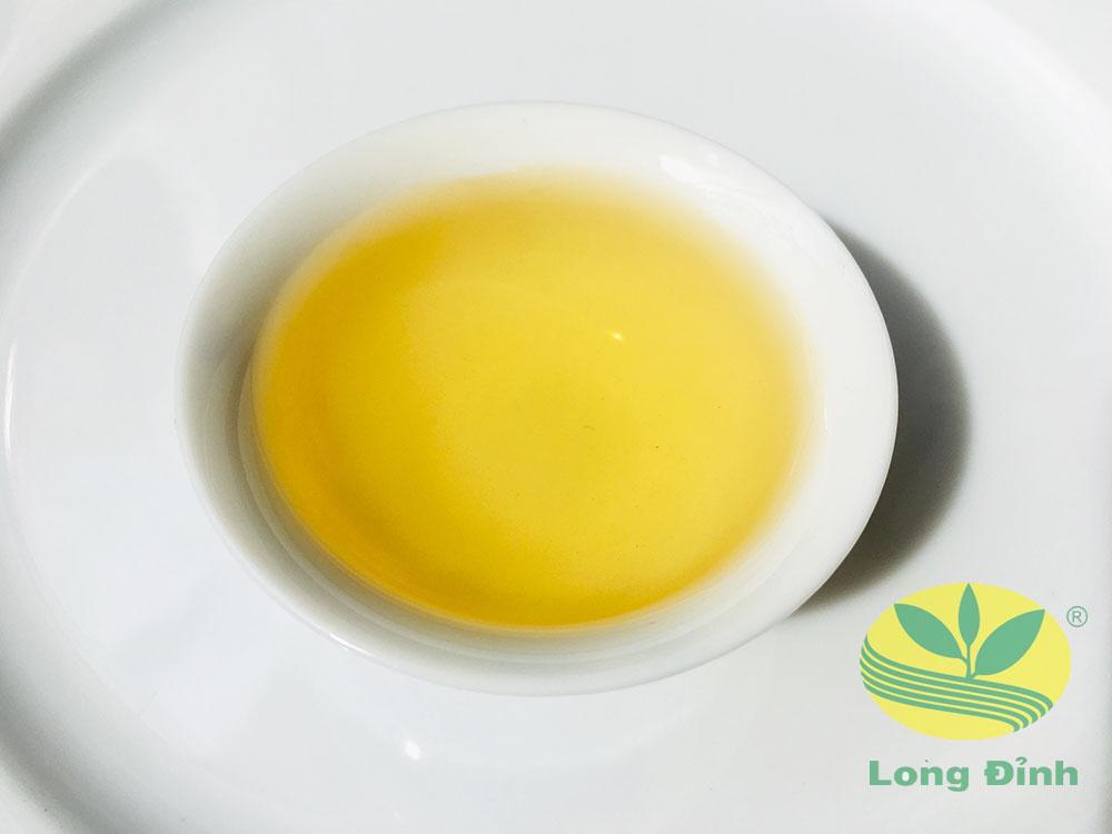 Màu nước trà Ô Long