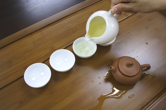 tráng ly trà