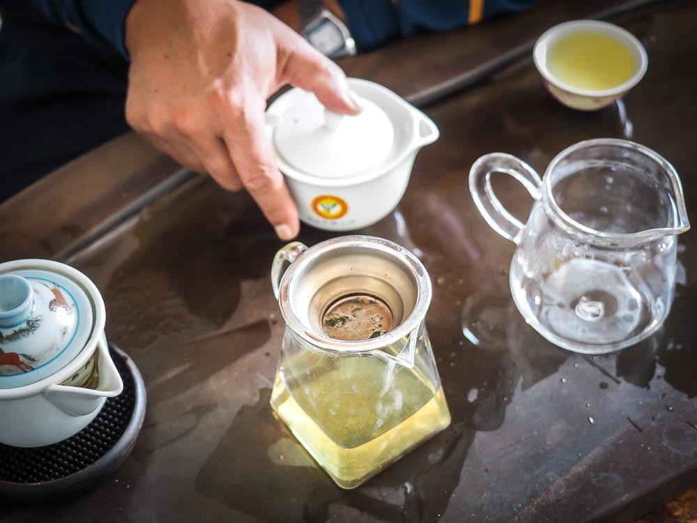Pha trà Ô Long Đài Loan