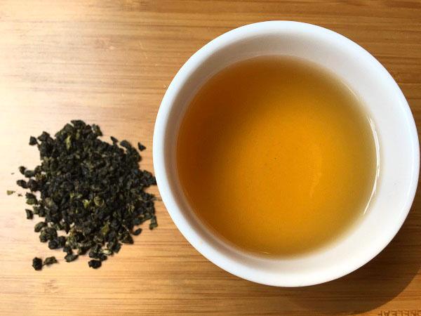 màu trà ô long bể