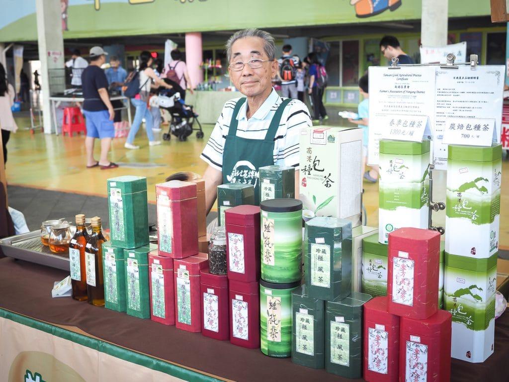 Mua trà ở Đài Loan